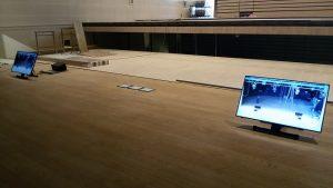 Monitor video LG installati presso il Teatro Maggiore di Verbania