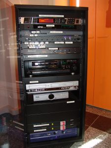 Rack audio impianto sala consiliare Comunità Montana Santa Maria Maggiore (VB)