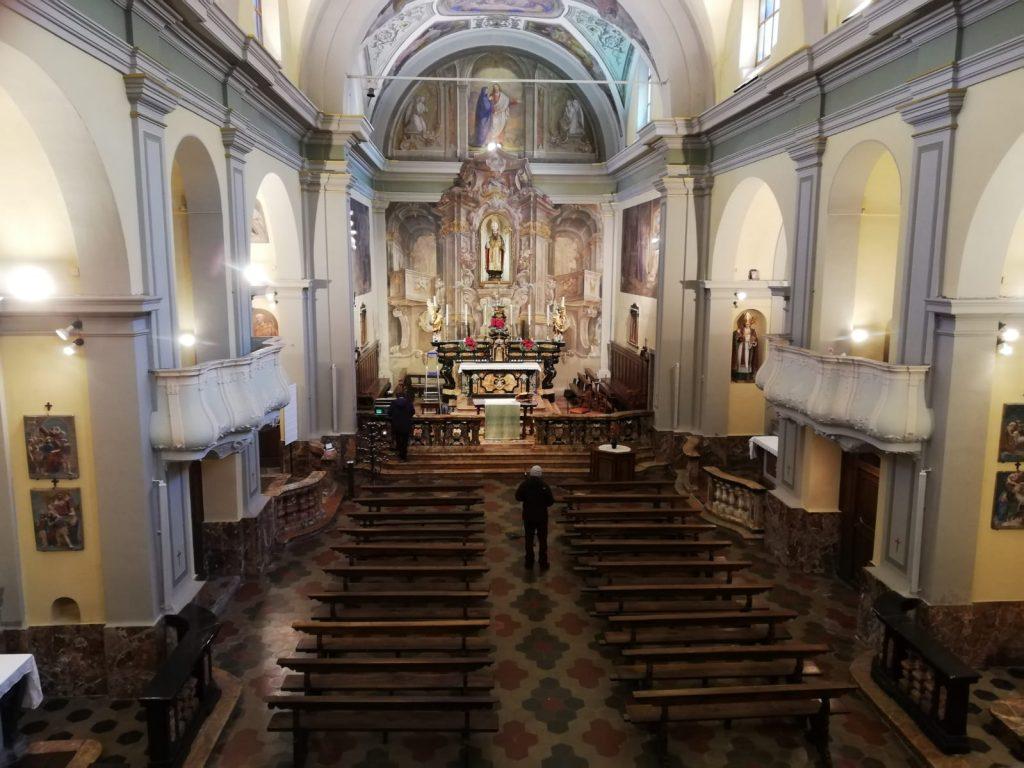 L'interno della chiesa parrocchiale